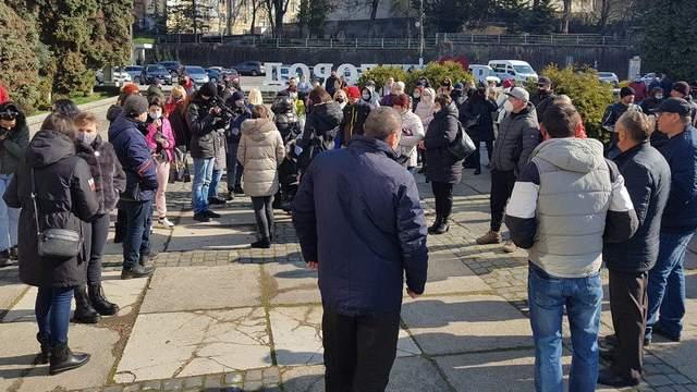ФОПи протест під ужгородською міськрадою