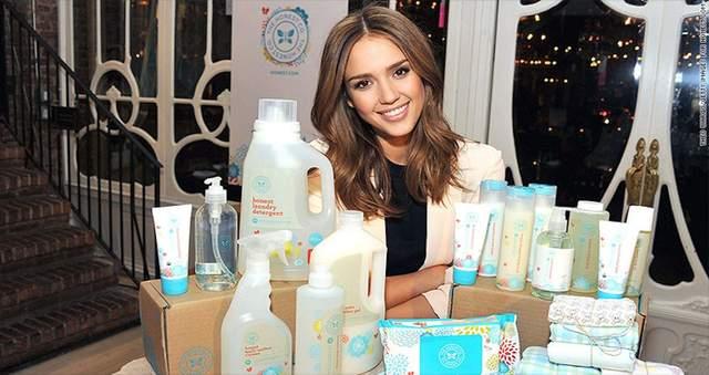 Джессика Альба представила линейку продуктов компании