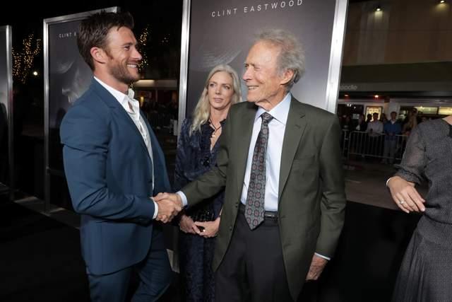 Скотт Іствуд з батьком Клінтом Іствудом