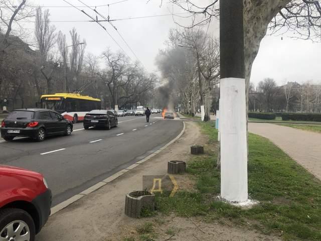 Вогонь пожежа Одеса ОДА Автомобіль