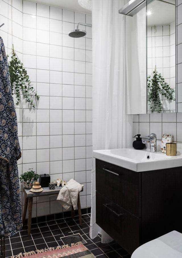 Дрібна плитка у ванній