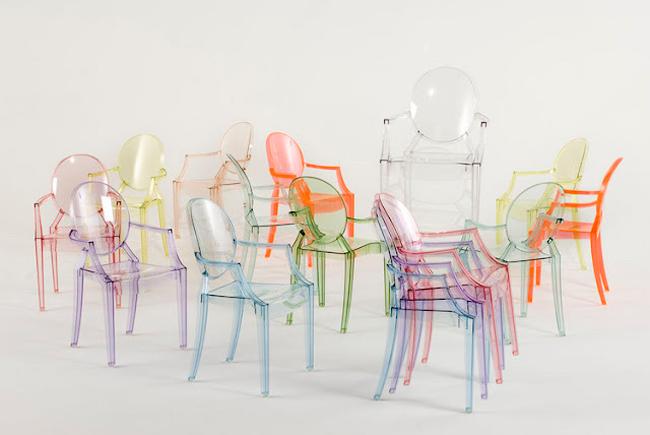 Дизайн таких стільців відомий майже кожному