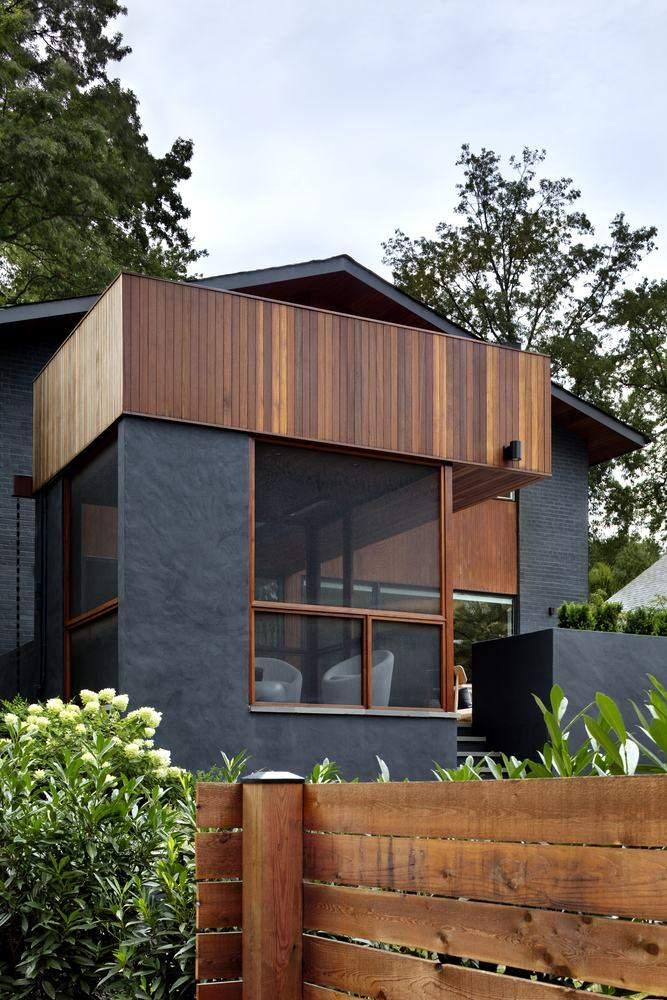 Необычная форма дома привлекает взгляд