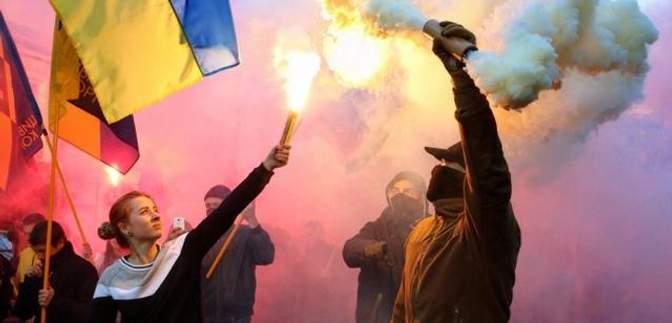"""В Одессе активисты прошлись маршем с лозунгом """"Иду на вы"""""""