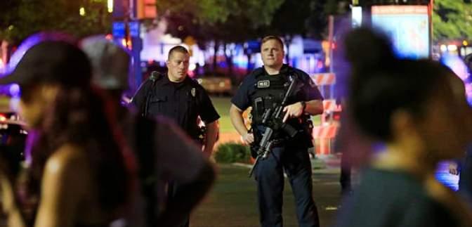 Жорстока стрілянина у Далласі: вбивць поліцейських вдалось затримати