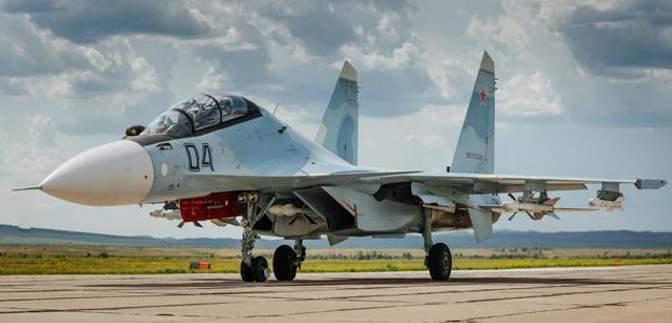 Россия отправила в Крым многофункциональный истребитель Су-30СМ