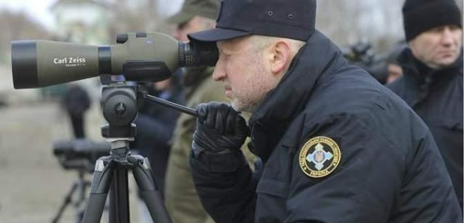 Учения возле Крыма возобновились, но ракеты пока не запускают
