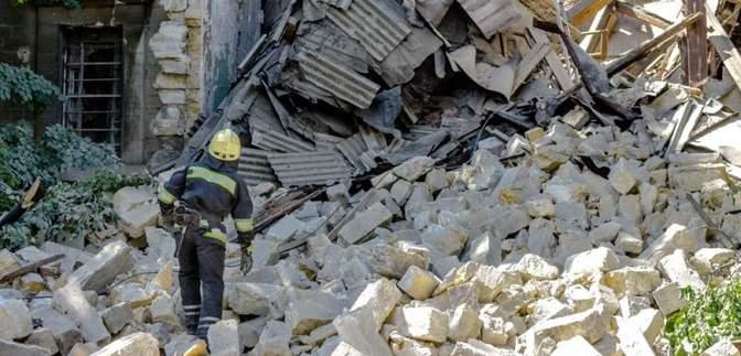 На Одещині жінка вижила, пробувши кілька днів під завалами будинку: опубліковане відео
