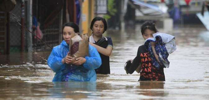 """У В'єтнамі зросла кількість жертв тайфуну """"Дамрі"""""""