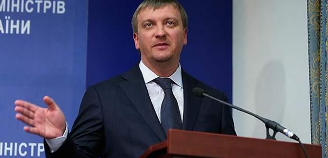 Министерская зарплата: названа сумма, которую Петренко заработал в декабре