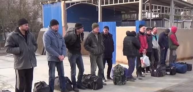 Окупанти з Криму депортували до Росії 23 українців, які ремонтували дитсадок