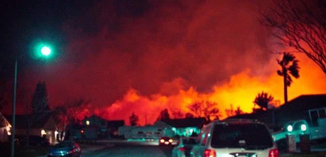 Ужасный пожар в Калифорнии: люди возвращаются в свои уничтоженные огнем дома