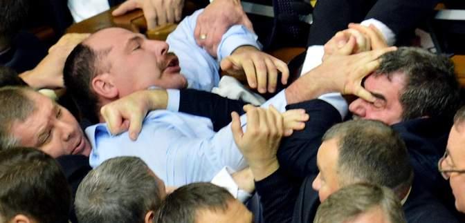Рік депутатських бійок у Раді: хто постраждав найбільше