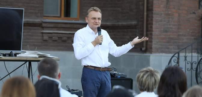 Андрей Садовый пообещал в пятницу, 1 марта, в 13:00 сделать важное заявление по поводу выборов