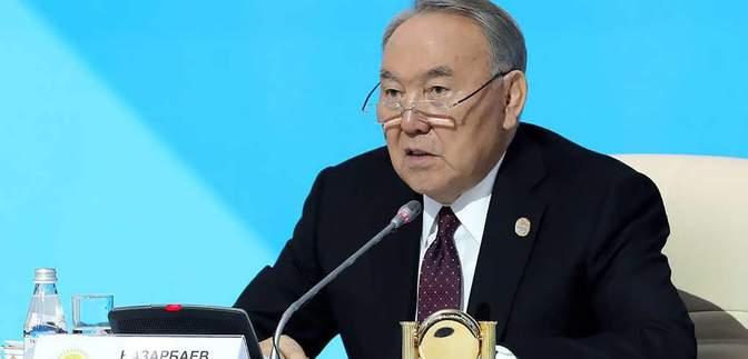 Назарбаєв перед відставкою телефонував президентам п'яти країн
