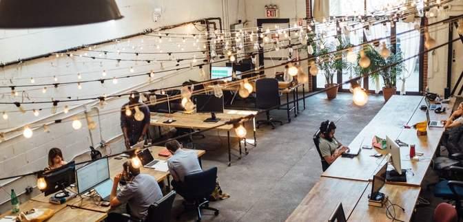 Як відкриті офіси впливають на продуктивність і комунікацію між працівниками