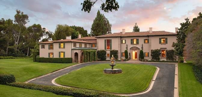 Любимый дом Мэрилин Монро продают за фантастическую сумму: фото изнутри