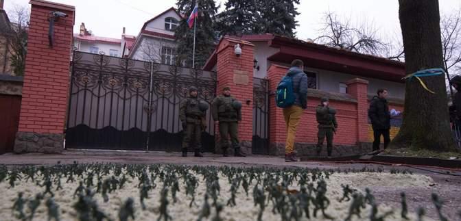 Шпигунсько-дипломатичний скандал: Україна та Росія вислали працівників генконсульств