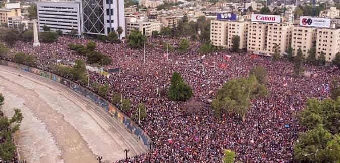 Впервые в истории на протест в Чили вышли более миллиона людей: фото, видео