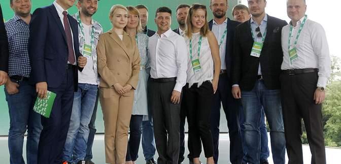 """""""Слуги народа"""" собрались на закрытое заседание: что обсудили"""