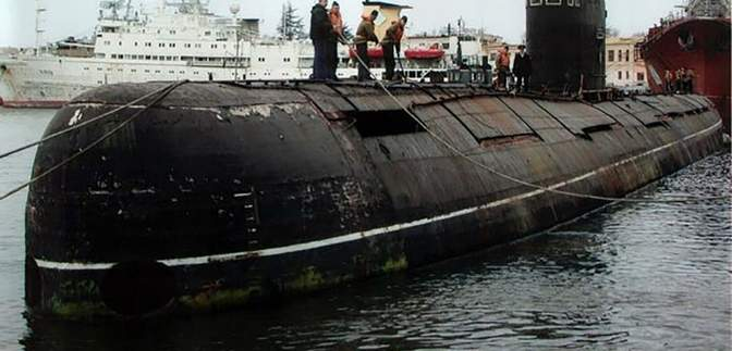 В окупованому Криму затонув російський підводний човен: з'явилось відео
