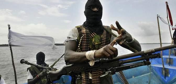 Возле побережья Камеруна пираты похитили моряков: среди них – украинец