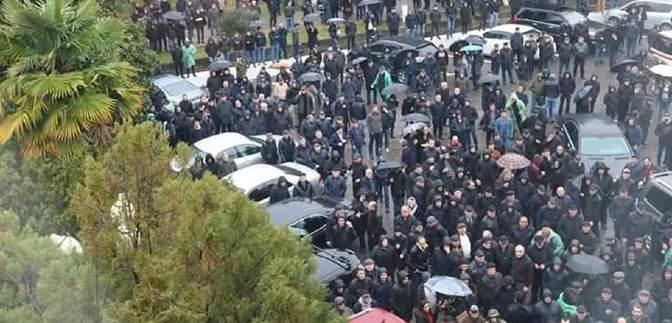 """Масові протести в Абхазії: """"парламент"""" проголосував за відставку """"президента"""" – що відбувається"""