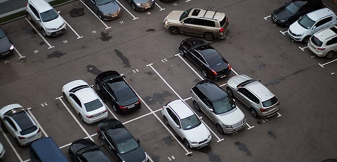 В Киеве не будут строить паркинги, однако увеличат стоимость парковки и штрафы: причины