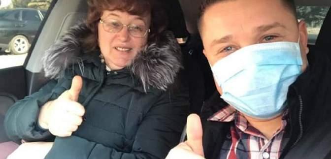 """В Україні запустили флешмоб """"Підвези лікаря"""": автомобілістів просять долучатися"""