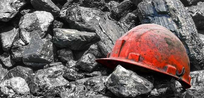 """""""Украинский уголь стал ненужным"""": 10 шахт Ахметова остановили работу"""