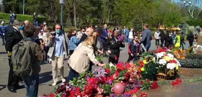 Сутички та напад на журналістку: як в Одесі відзначають День Перемоги – фото, відео