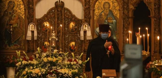 В Украине с 22 мая разрешили посещать церковные службы