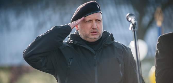 """Турчинов очолив штаб """"Євросолідарності"""": що відомо"""