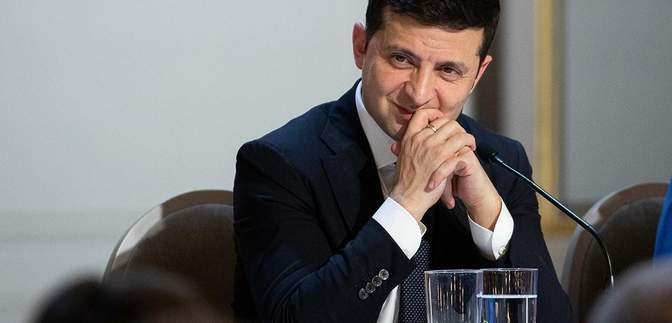 Зеленський поскаржився на надто жорстку монетарну політику Нацбанку