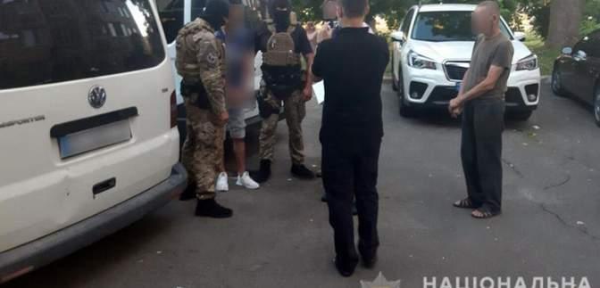 Один із підозрюваних у підриві авто Укрпошти є працівником компанії, – ЗМІ