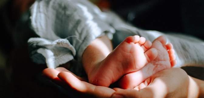 """""""Ушли и забыли, будто ребенка и нет"""": в роддоме """"Лелека"""" родители отказались от ребенка"""