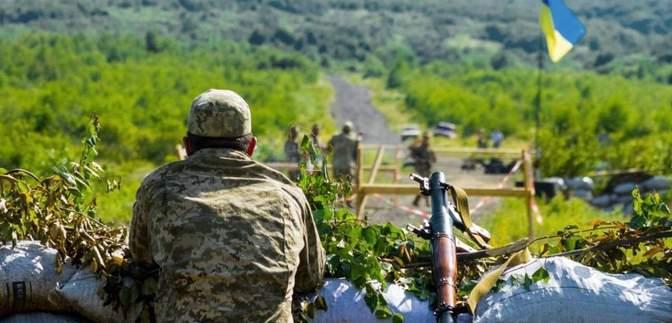 У Мінську обговорюють 5 – 6 точок для майбутнього розведення військ на Донбасі, – Резніков