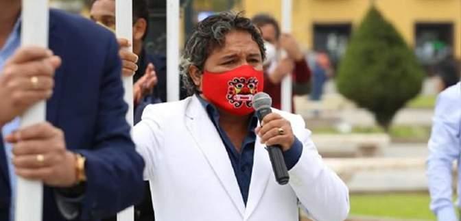 Президенту Перу надіслали лист з підписом кров'ю: причина, відео