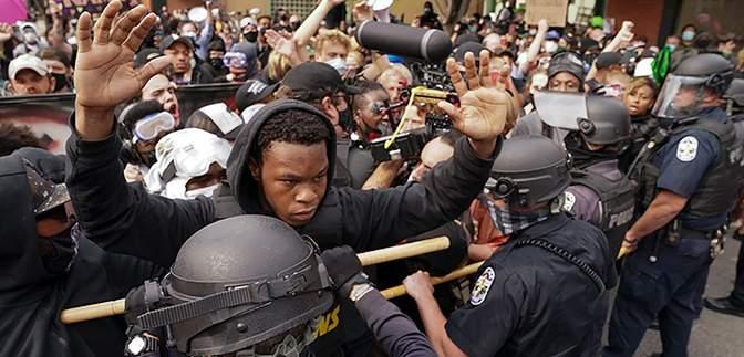 Black Lives Matter протесты в Луисвилле переросли в стрельбу: ранены полицейские