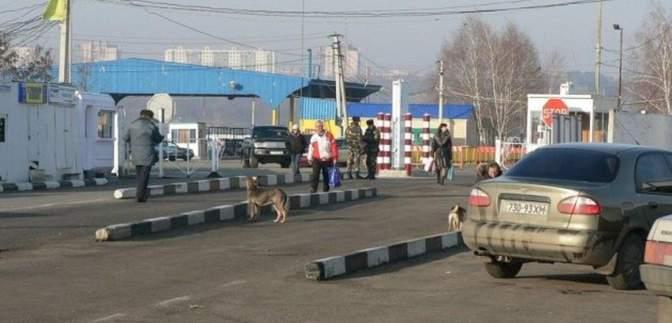 Молдова ограничила движение грузовиков в одном из пунктов пропуска: причины