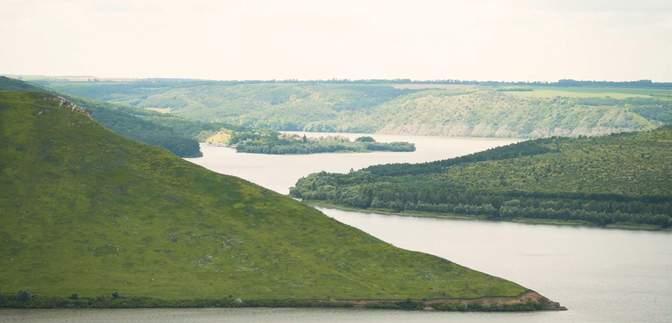 Затопленное село и мистический монастырь: почему Бакота популярна среди туристов