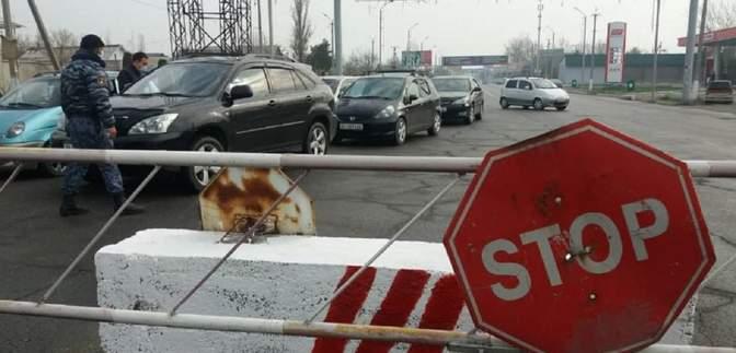 В Бишкеке снова чрезвычайное положение, здание парламента передали властям