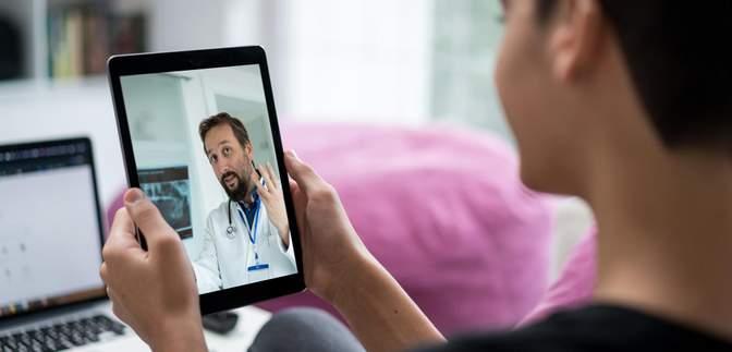 """Стосунки з сімейним лікарем: чому не слід дзвонити медику серед ночі, щоб """"поговорити"""""""