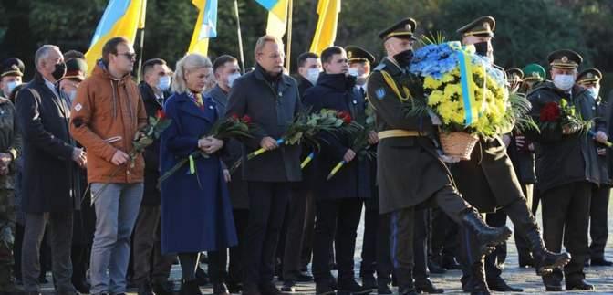 Святкування Дня захисника України: у Львові вшанували пам'ять загиблих героїв – фото