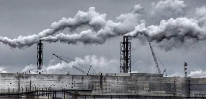 Бывший завод Фирташа в оккупированном Крыму уволит часть рабочих: причина