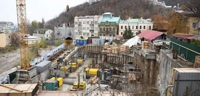Дозвіл на будівництво готелю на Андрійвському узвозі: КМДА оскаржить скандальне рішення суду