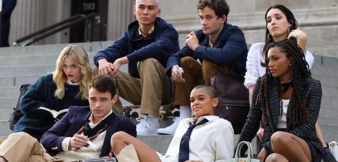 """В Нью-Йорке снимают перезапуск сериала """"Сплетница"""": первые фото с актерами"""