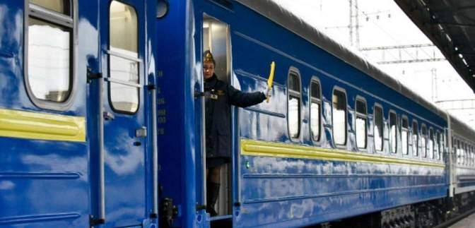 Укрзалізниця відновлює рух поїздів з 2 станцій