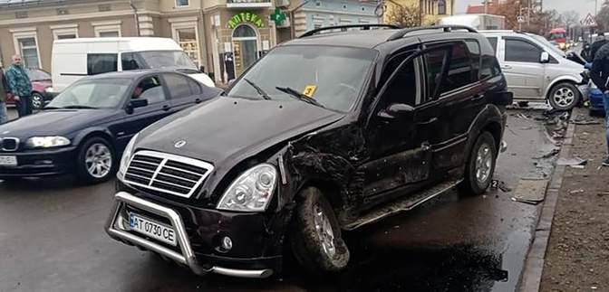 Новоизбранный мэр на Прикарпатье попал в аварию: фото