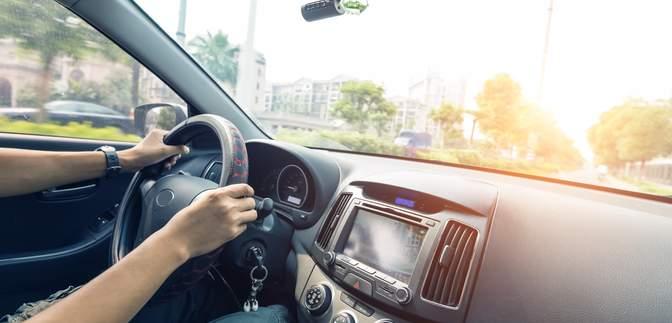 В Україні почали діяти нові правила дорожнього руху: що слід знати водіям і пішоходам